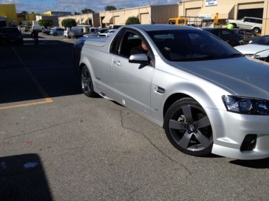 COMMODORE VE MALOO SIDE SKIRTS
