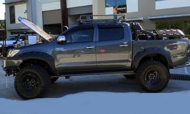 HILUX 11-15 BOLTED UNPAINTED FLARES