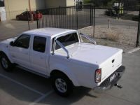 NISSAN D22 2009+ DUAL CAB WITH SPORTS BARS HS