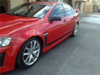 COMMODORE VE CLUBSPORT SIDE SKIRTS