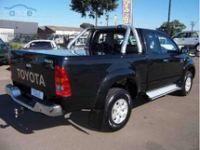 TOYOTA EXTRA CAB WITH SPORTS BAR 06+