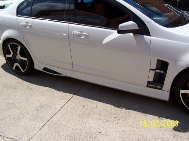 COMMODORE VE MALOO STYLE SIDE SKIRTS