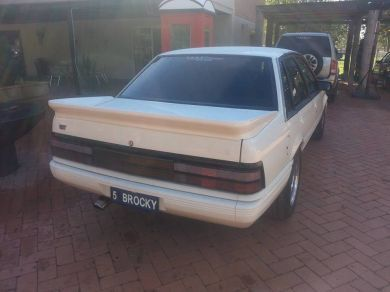 VL COMMODORE GROUP A REAR WING